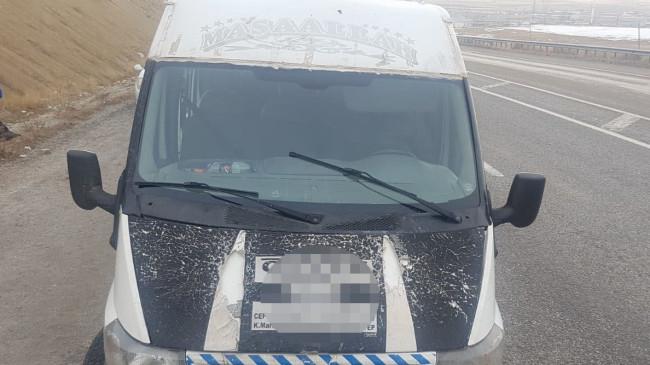 15 kişilik minibüste 50 kaçak