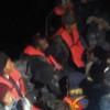 Botları su alan 3'ü çocuk 11 kaçak göçmen kurtarıldı
